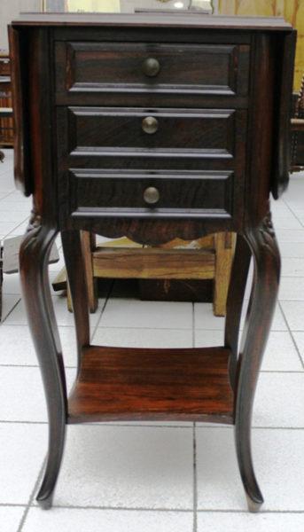 Comodino stile Luigi XV